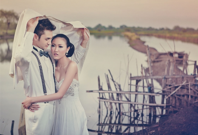 The Perfect Dress And Suit for Pre Wedding Photo Shoot