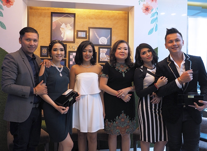 Miss Mondial Membuka Butik Baru di Mal Taman Anggrek