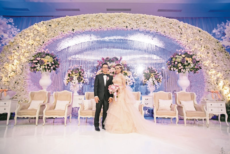 Pastel Romance Theme For The Wedding Of Meity & Freddy In Hilton Hotel Bandung