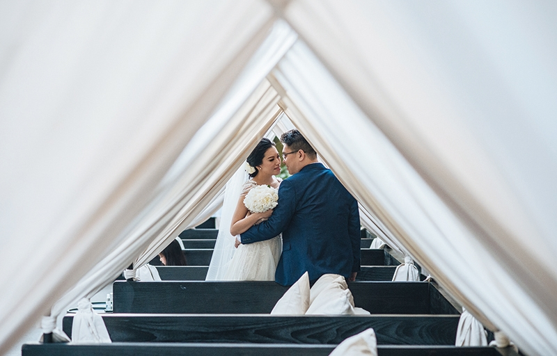 Nautical Theme For Darius & Yoanna's Beach Wedding In Bvlgari Hotels & Resorts Bali