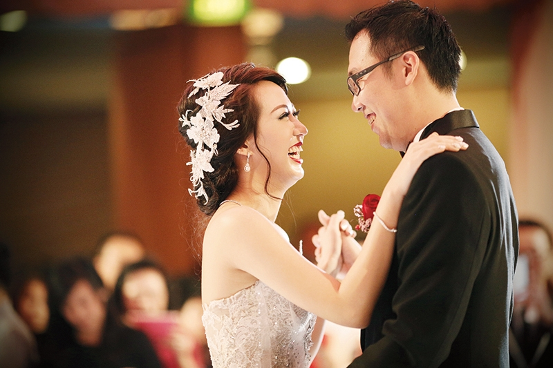 Silver,Peach & Warm Color For Special Couples Philip & Celia In The Ritz-Carlton Jakarta, Mega Kuningan