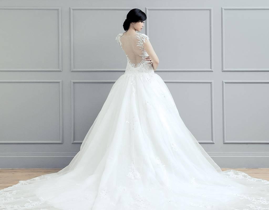 9 Jenis Gaun Pengantin Sesuai Bentuk Tubuh  Weddingku.com
