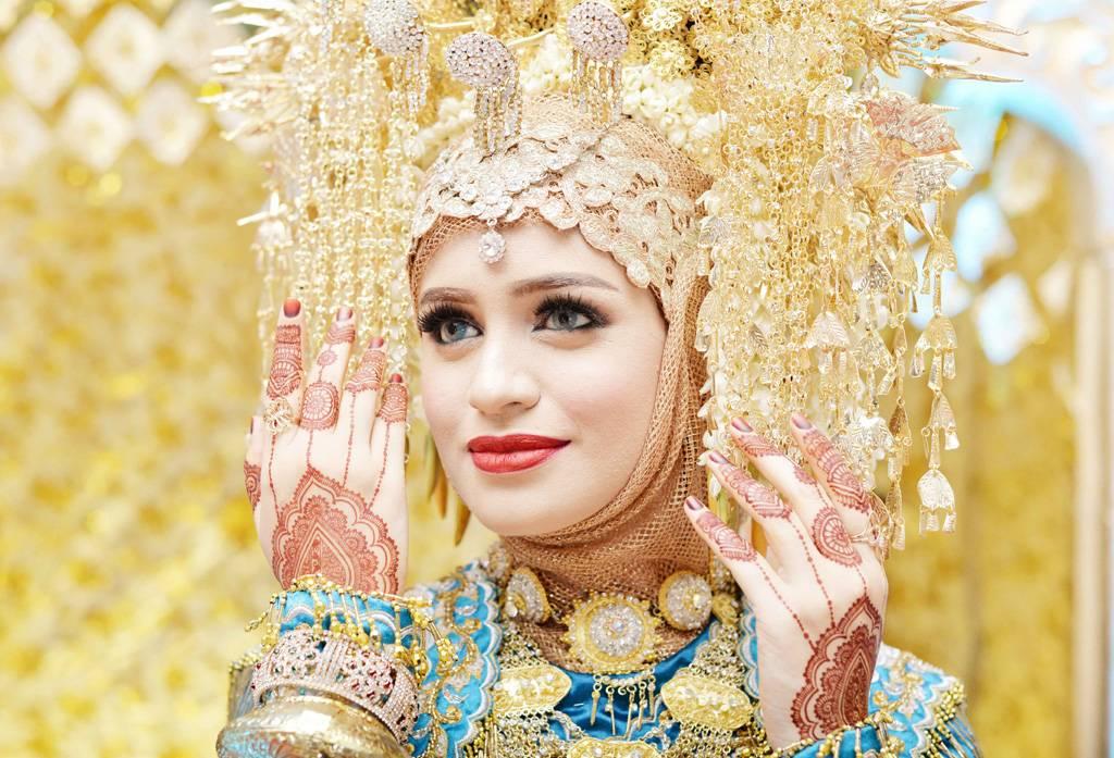 Mana Lebih Cantik Henna Putih Atau Henna Merah Weddingku Com