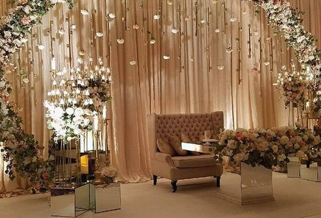 Inspirasi Dekorasi Pelaminan Paling Populer Weddingkucom