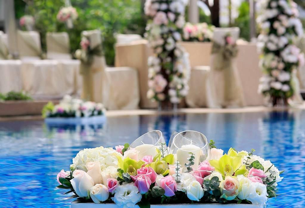 Tips Agar Pernikahan Pinggir Kolam Indah Dan Berkesan Weddingku Com