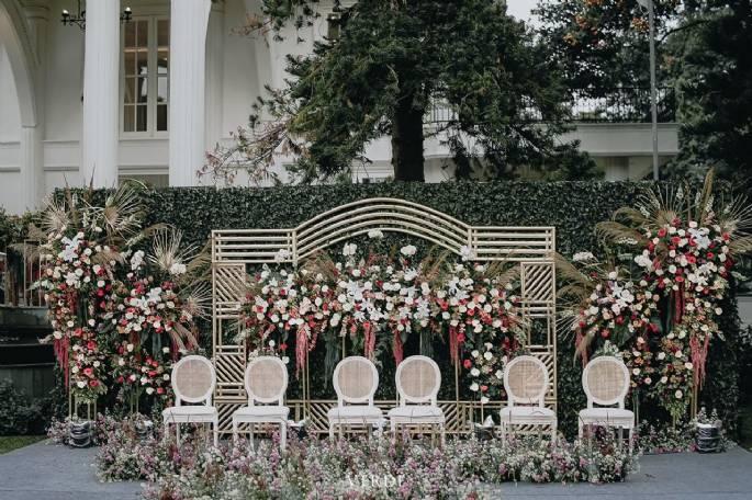 5 Inspirasi Dekorasi Menawan Untuk Intimate Wedding