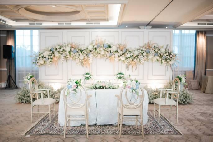 Solusi Dekorasi Untuk Venue Pernikahan dengan Langit Langit Rendah