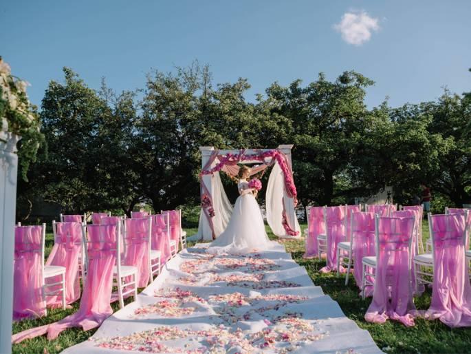 9 Pertanyaan Penting untuk Ditanyakan Saat Memilih Gedung Pernikahan