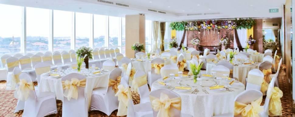 Harga Paket Pernikahan The Alana Hotel Surabaya Weddingku Com