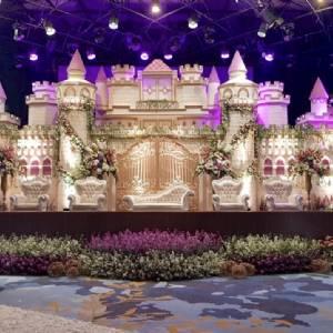W Decoration