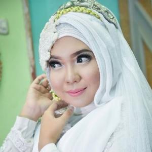 Makeup By Puput