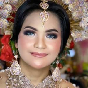Sabrina Gina Makeup