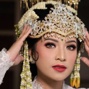 Andhiza Dewi Makeup