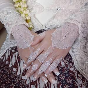 Henna by Hanifah