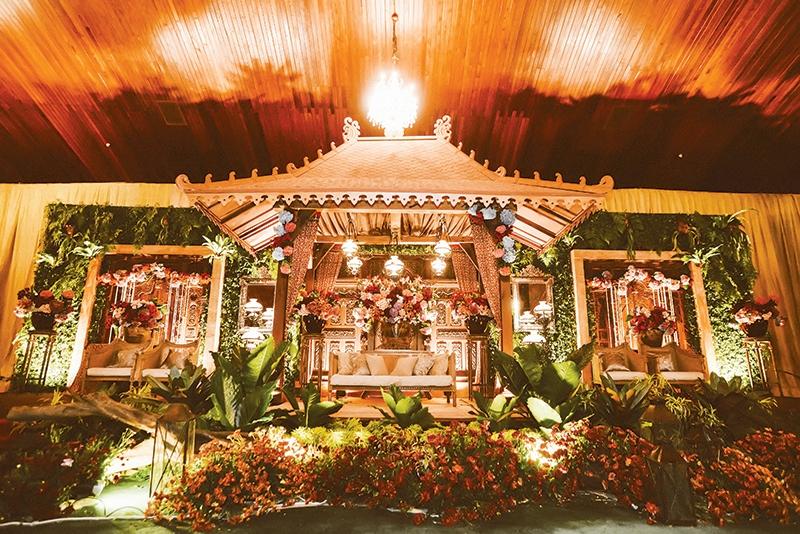 Pesta Rakyat Jawa di Sasono Utomo - Windy Natriavi