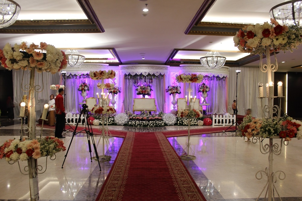 Graha dirgantara wedding dresses