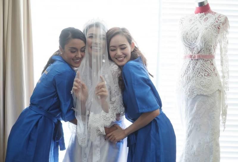 Bahagia bersama bridesmaid