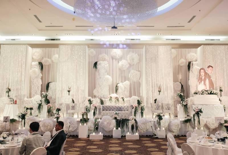 Dominasi putih pada dekorasi cantik
