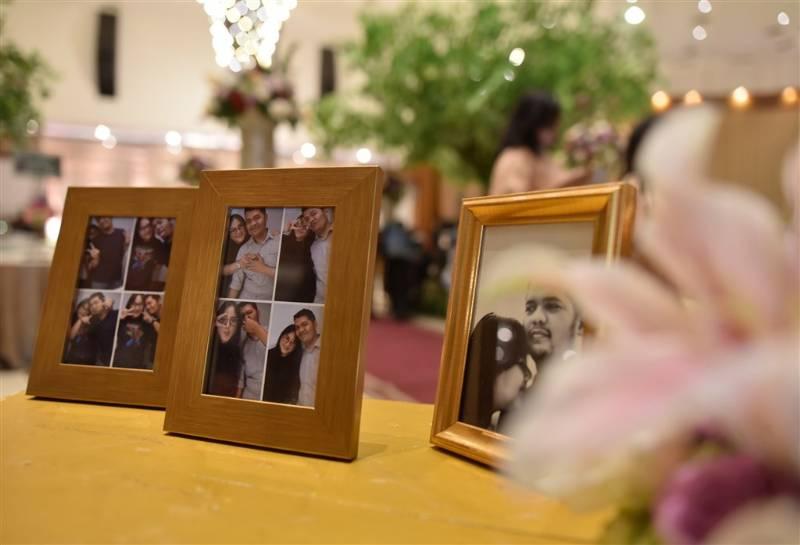 Foto pre-wedding hiasi meja dekorasi
