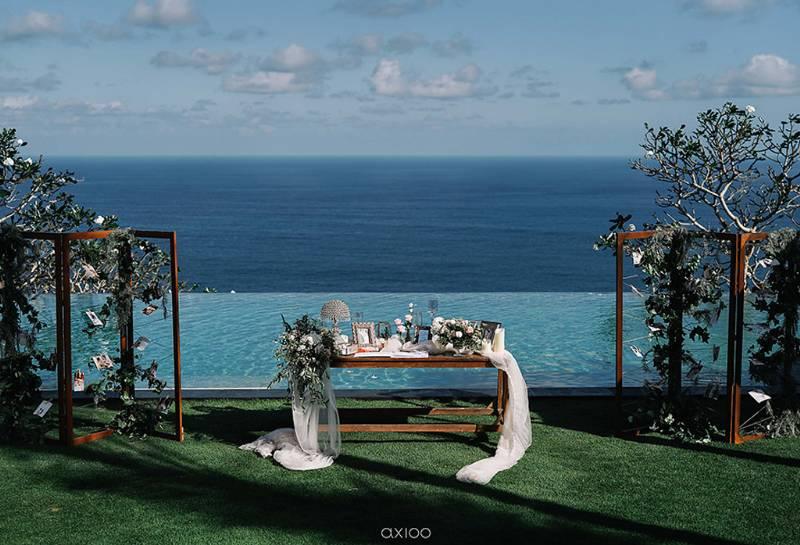 Deretan foto-foto kenangan Jordan - Amel di tepi laut