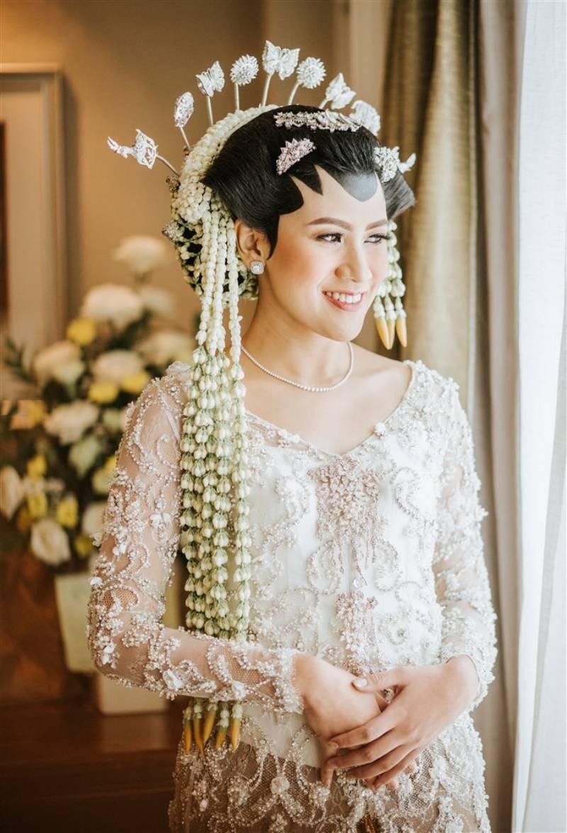 Cantik hasil pulasan makeup Marlene Hariman