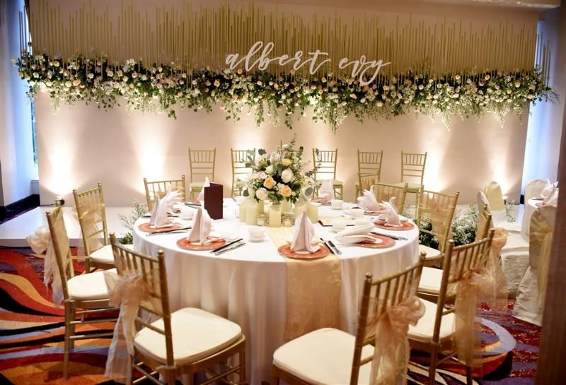 Dekorasi meja simpel dan elegan