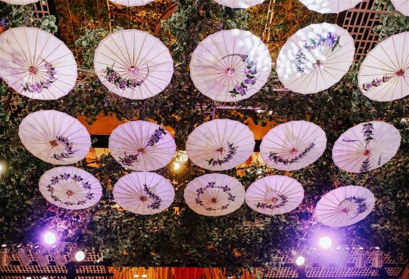 Payung khas Tasikmalaya ikut menyemarakan dekorasi