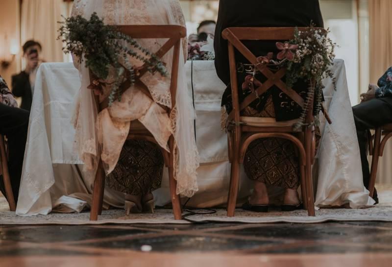 Decor wedding chair yang juga rustic