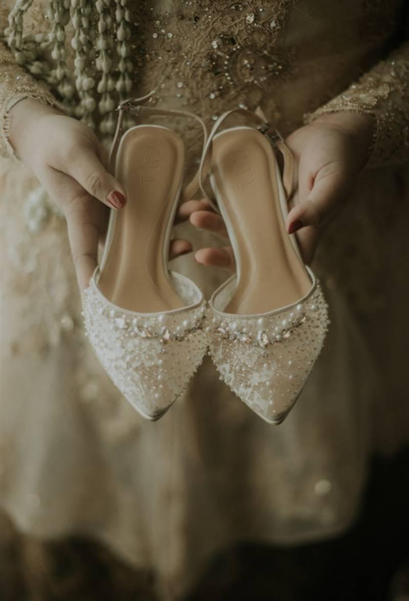 Sepatu cantik yang dipakai saat akad nikah