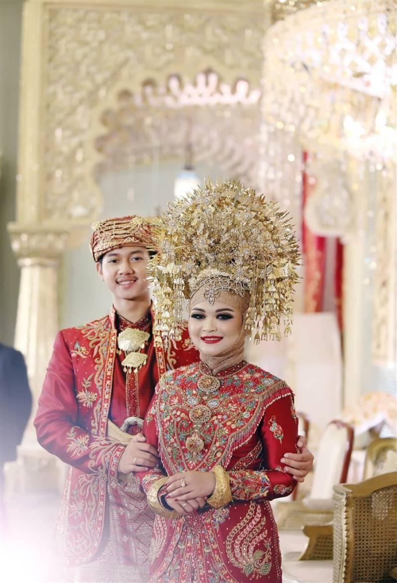 Sentuhan Merah-Emas Simbol Pernikahan Minang di Balai Sudirman