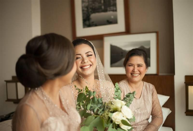 Bercengkrama dengan bridesmaid sebelum acara