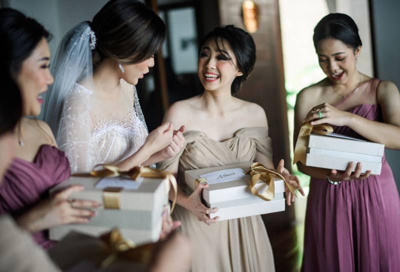 Bersama para bridesmaid