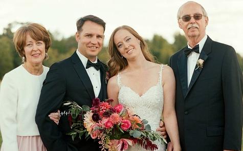 Beda Pendapat Dengan Orang Tua Tentang Pesta Pernikahan? Atasi Dengan Cara Ini