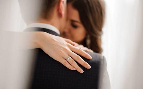 Tanda Anda dan Pasangan Butuh Konseling Pernikahan