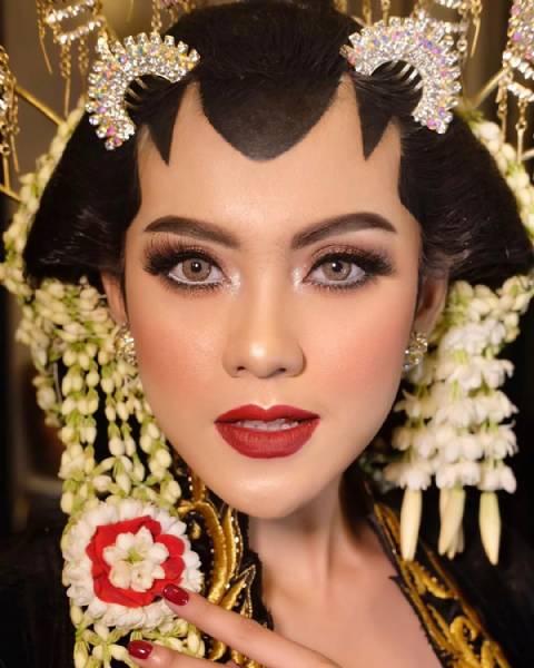 Makeup Akad By Makeofa