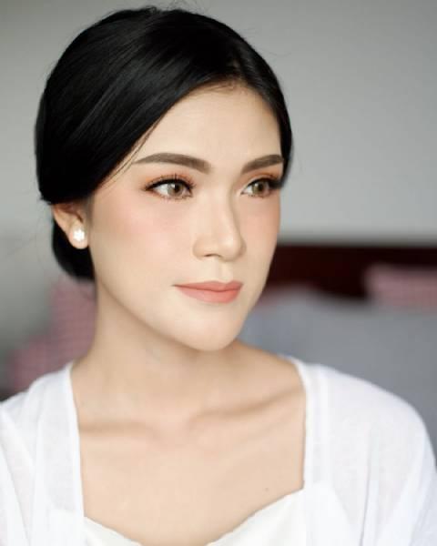 Rosinta's Full Modern Wedding Makeup