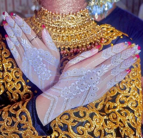 White/Gold Wedding Henna by Inefaza