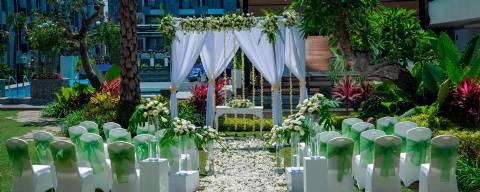 Wedding Package Rooftop at Courtyard by Marriott Bali Seminyak Resort for 50 Pax