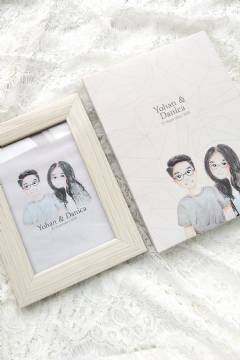 Paket Frame & Laminated Color Frame Box (Cream Wooden Frame)