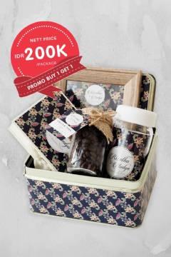 Batik Square Tin Can Souvenir Set