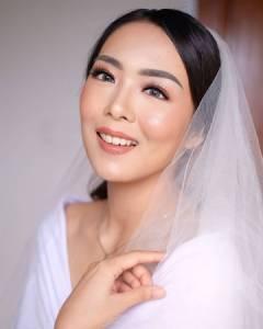 Natural and Flawless Bride Makeup